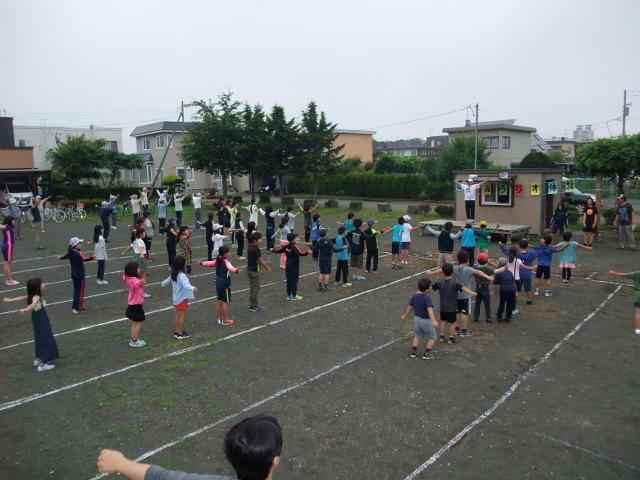 夏休みラジオ体操始まる