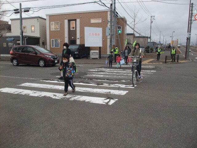 「春の交通安全運動」街頭啓発始まる