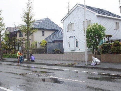 春の町内一斉清掃・フラワーロード事業